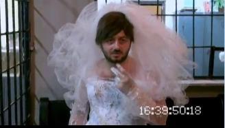 Ютуб Бородач В Свадебном Платье 92